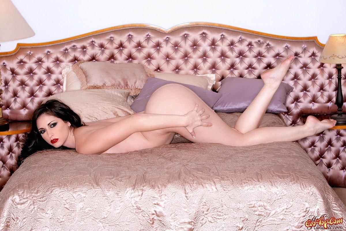Carlotta Champagne эро фото