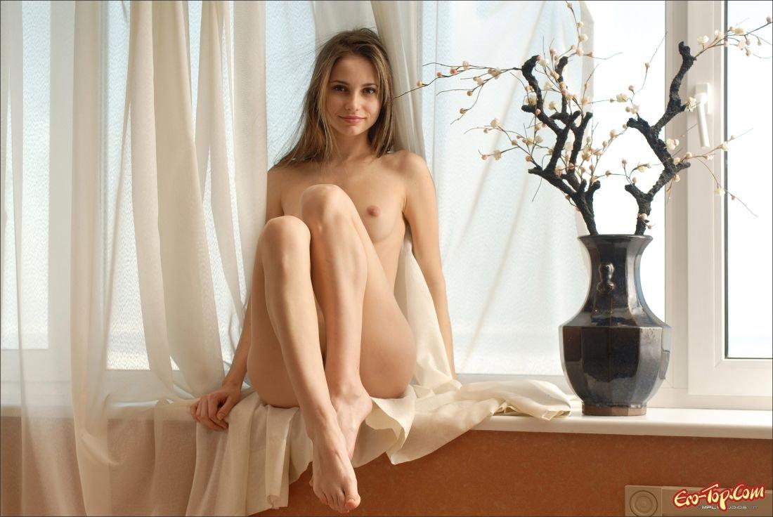 Секси фото молоденькая в шортиках 23 фотография