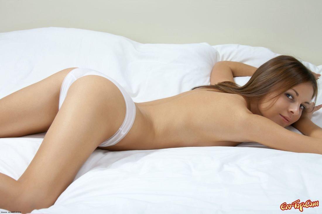 Скачать картинки голых девушек в трусиках фото 248-177