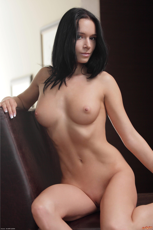 Красивая брюнетка секс картинки