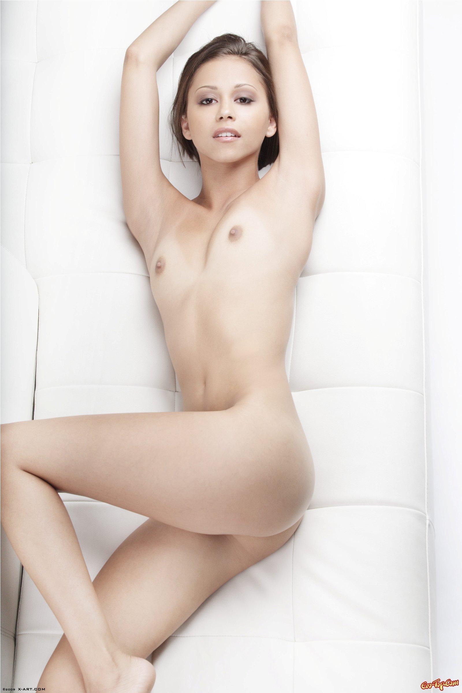 Возбуждающая Миа интим фото секс фото