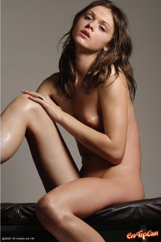 Молодая прекрасная студентка секс фото