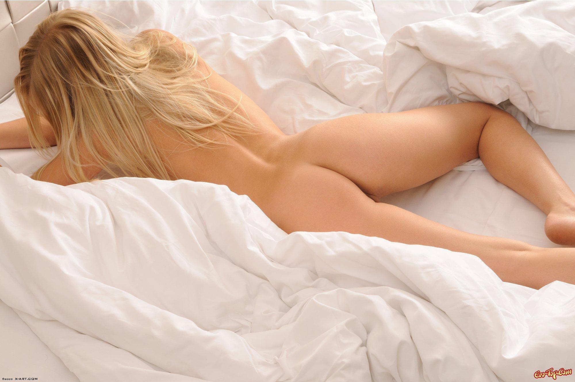 Фото блондинок в спальне 15 фотография