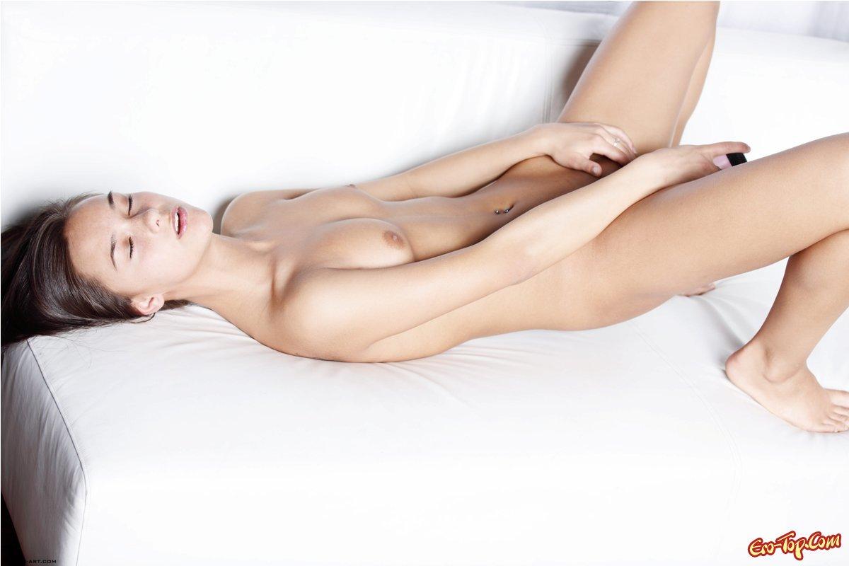 Юная красавица Хлоя секс фото