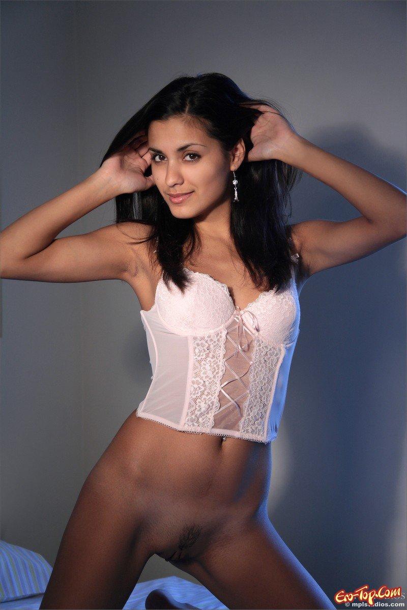 фото голых проституток на мобильный