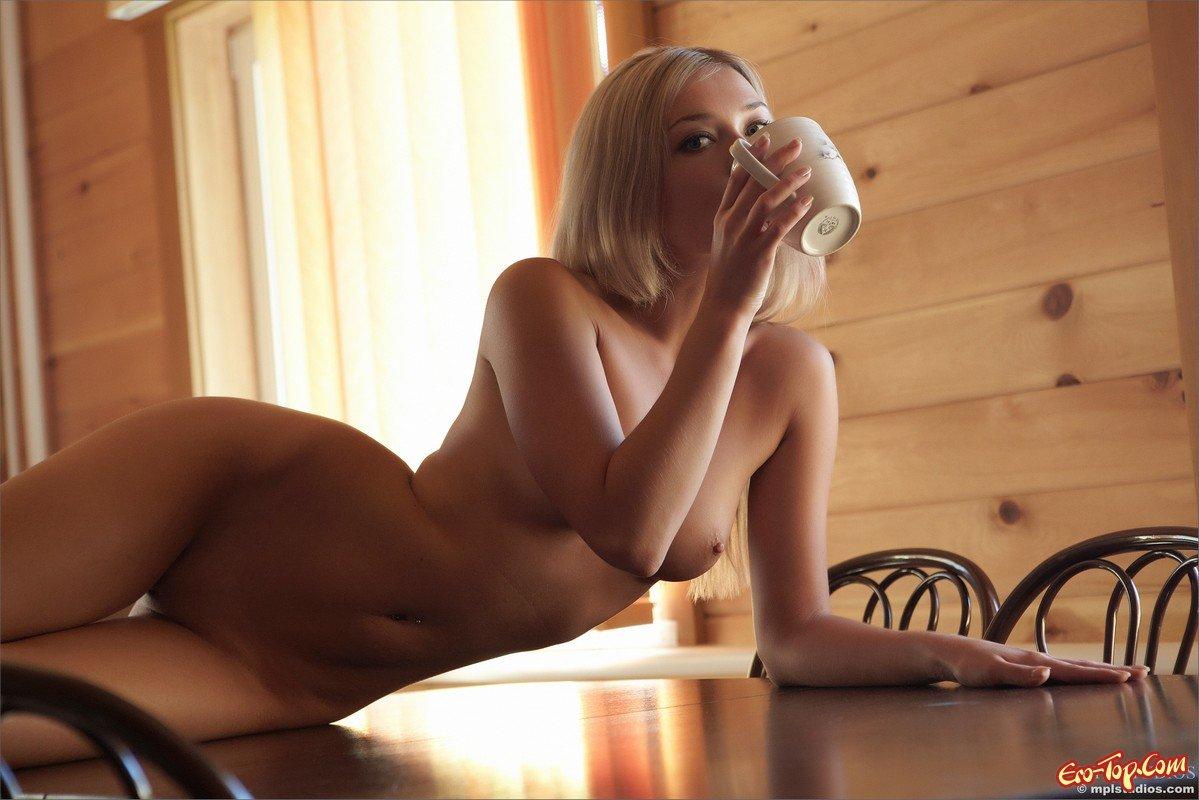 kofe-v-postel-erotika