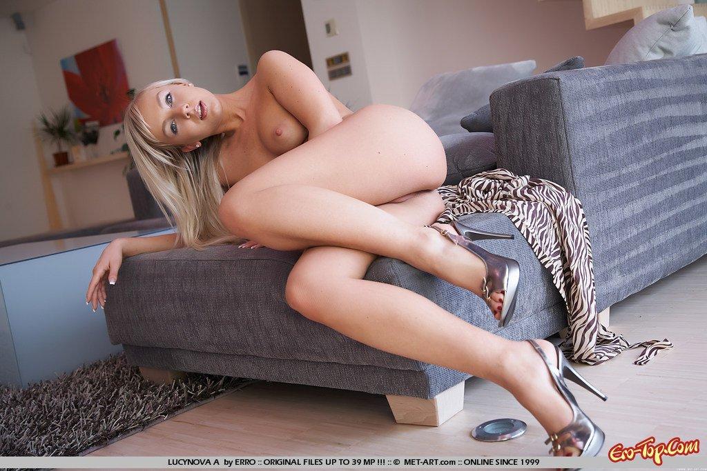 Похотливая блондинка
