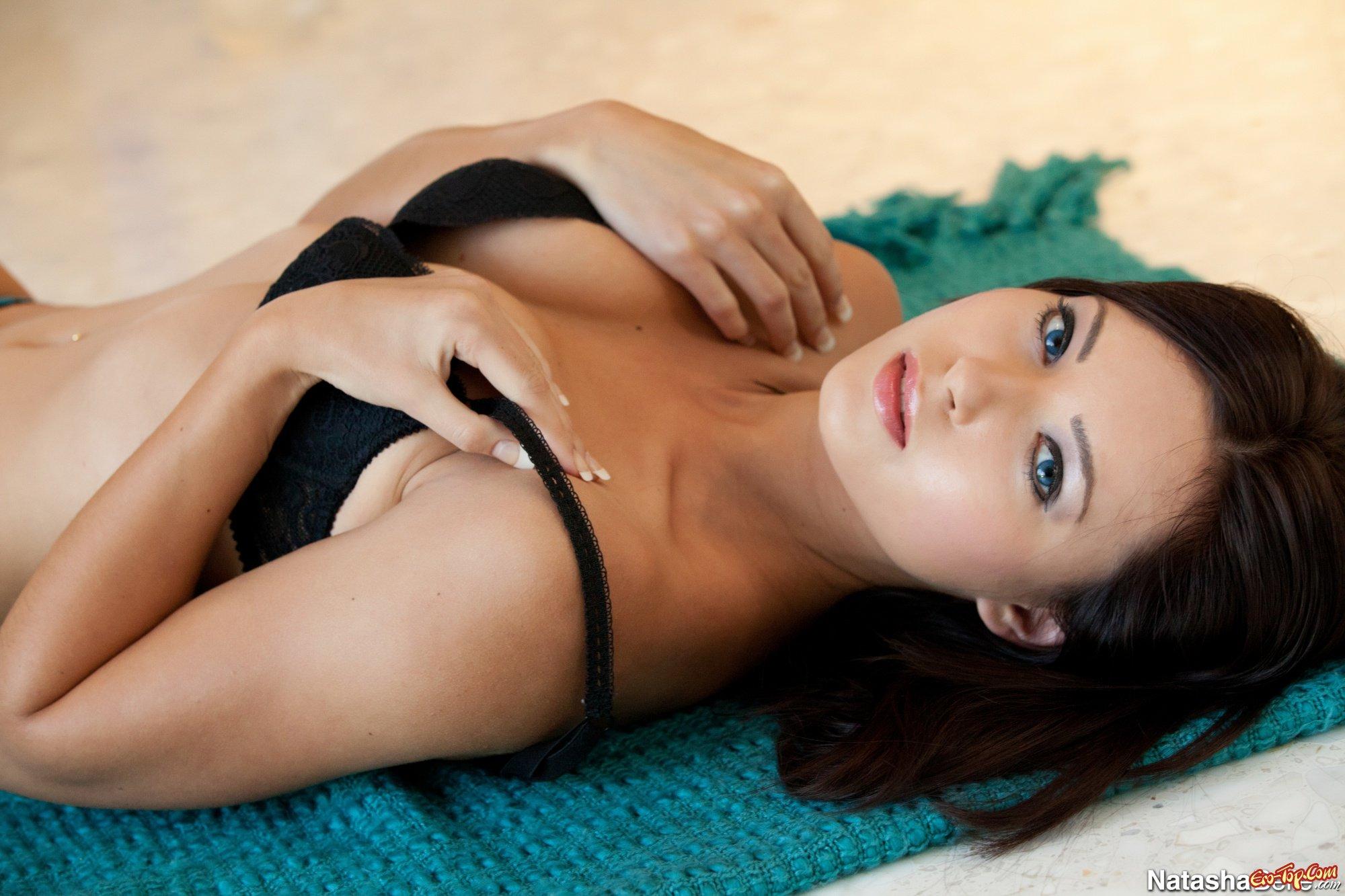 Красоточка Natasha Belle смотреть эротику