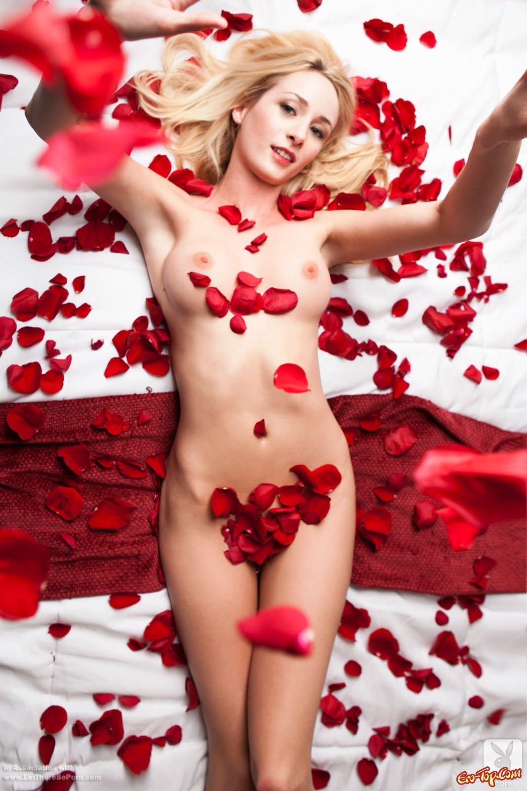 Шлюха в лепестках роз