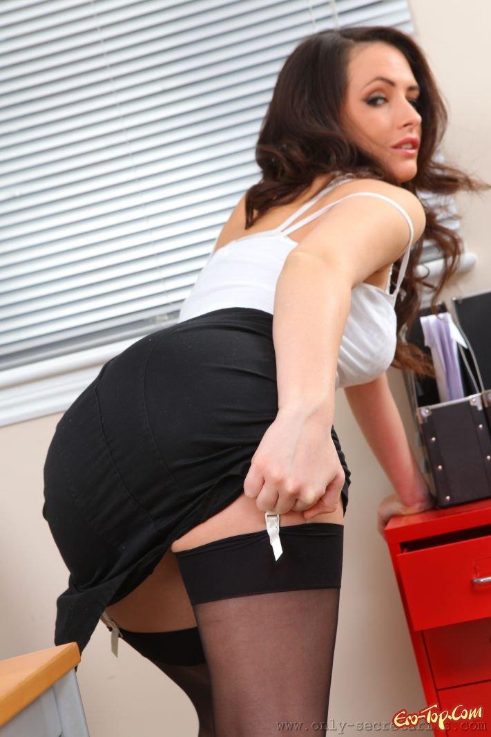 Разврат в офисе секс фото
