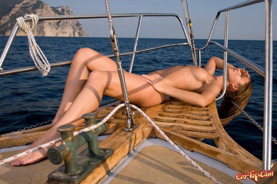 Эротика видео яхта