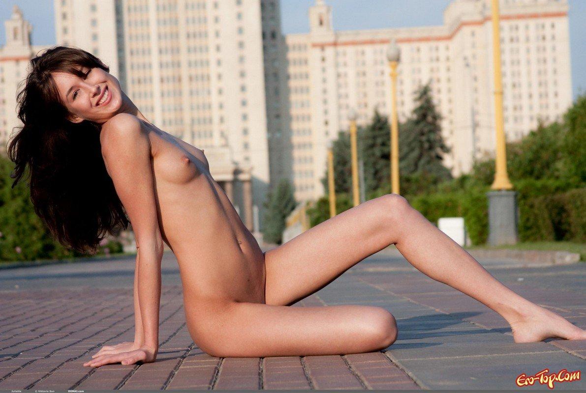 Мужик ловко развел на секс молодую стесняшку на PornoRussia.TV