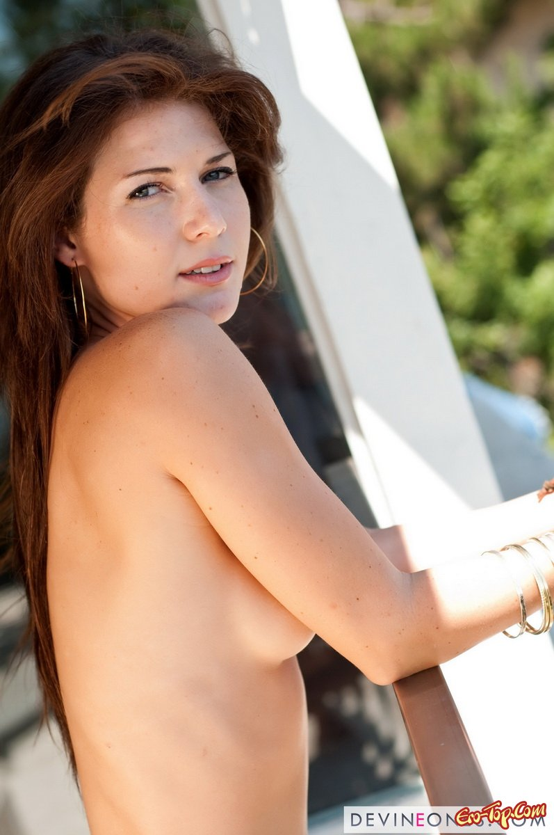 Jenni Lee секс фото