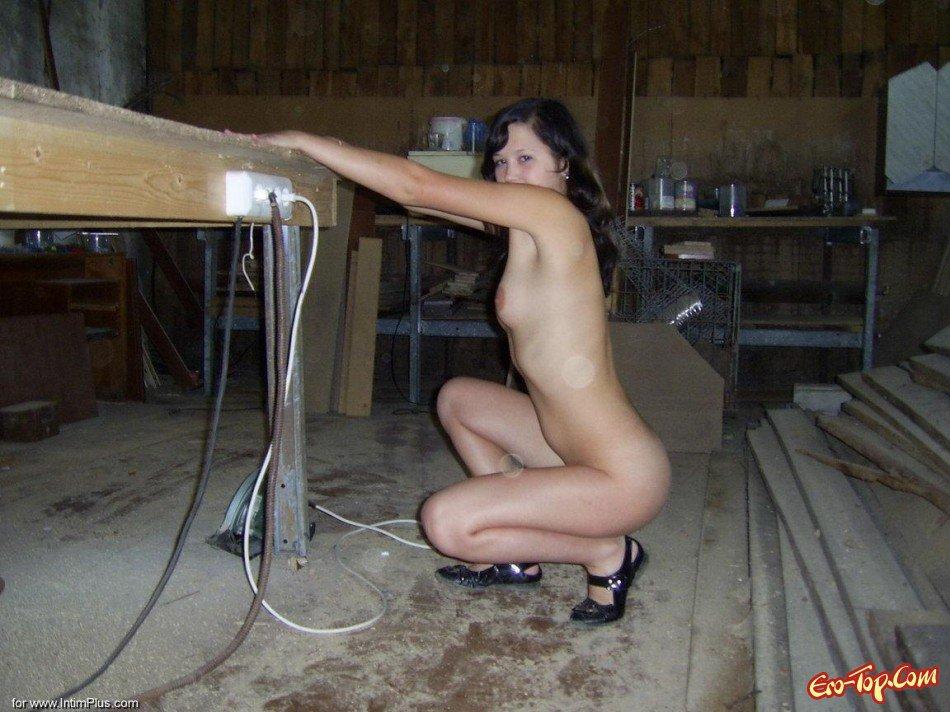 Голая девушка из деревни