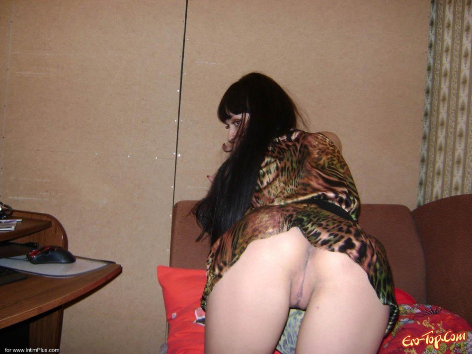 развратные фото девушек в домашней обстановке русские