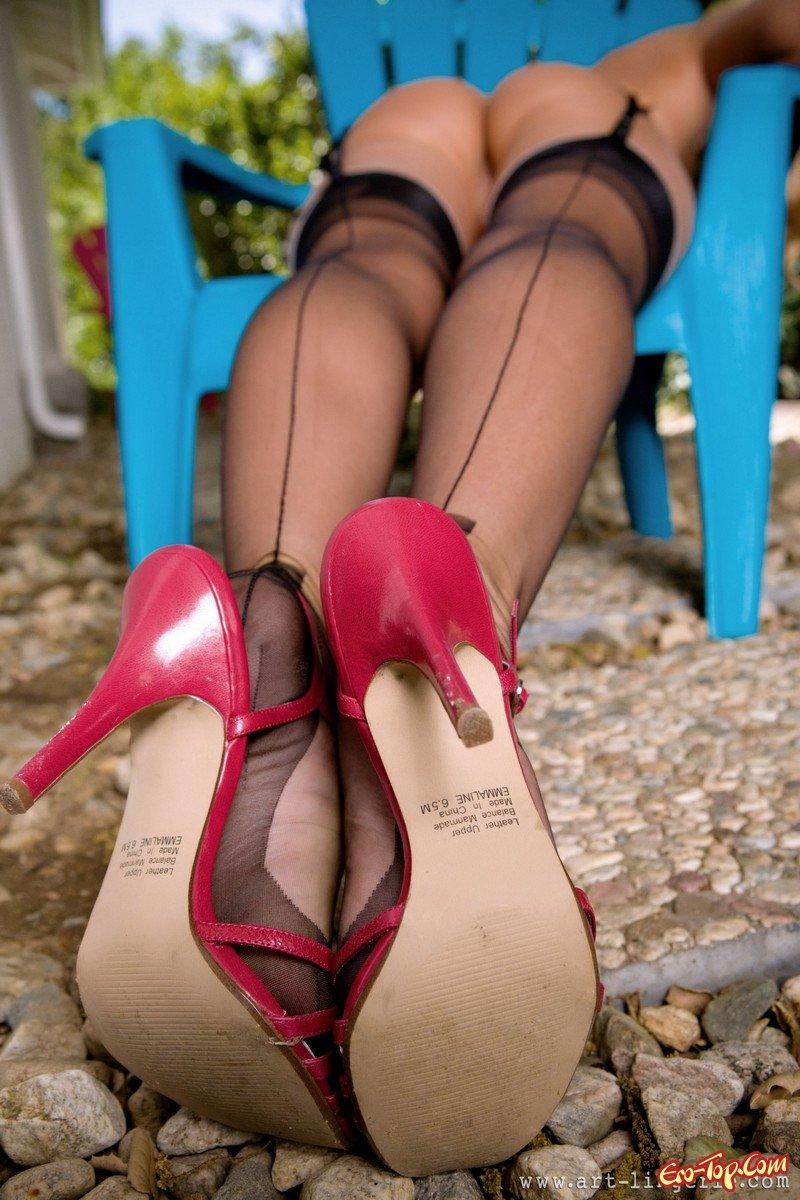 Carli Banks в сексуальном белье смотреть эротику