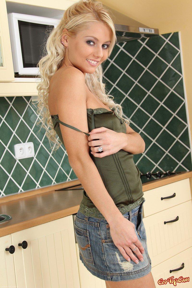 Annely Gerritsen на кухне