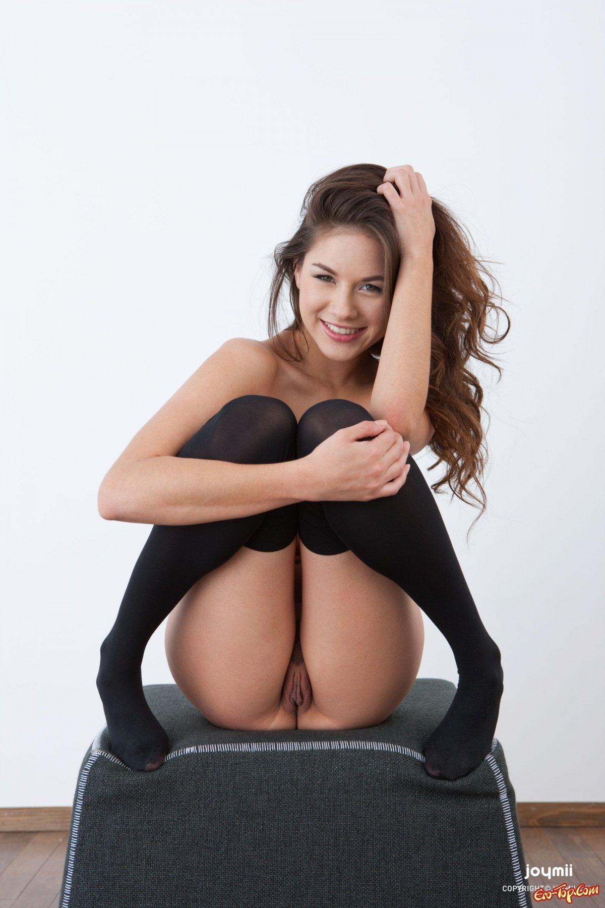 porno-v-chernih-plotnih-kolgotkah