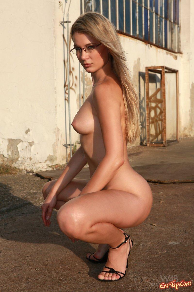 foto-golih-zvezd-elena-katina