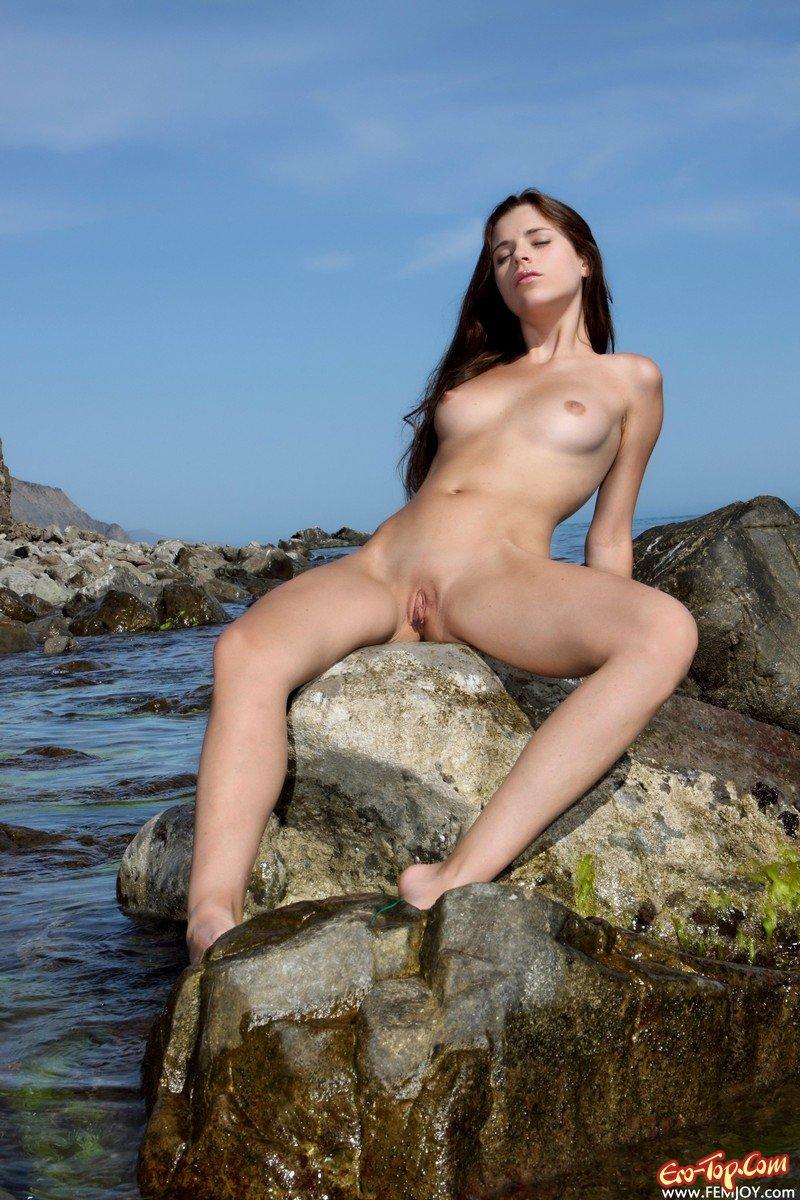 Русские звезды голые на пляже 7 фотография