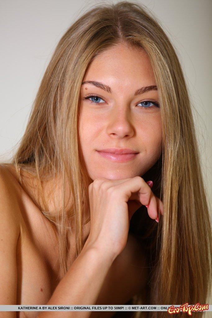 Молодая русская блондинка
