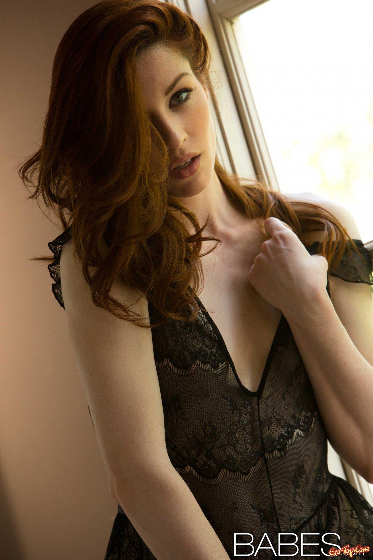 Похотливая рыжеволосая девушка секс фото