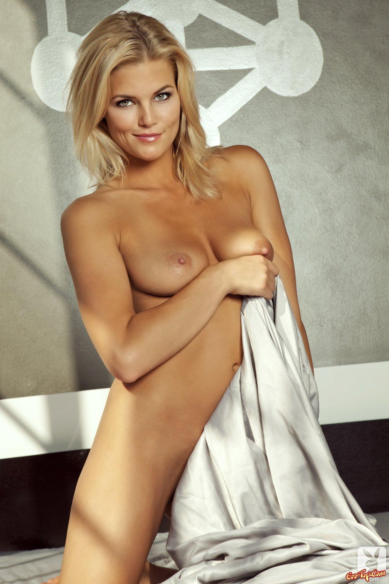 Блондинка Hustler