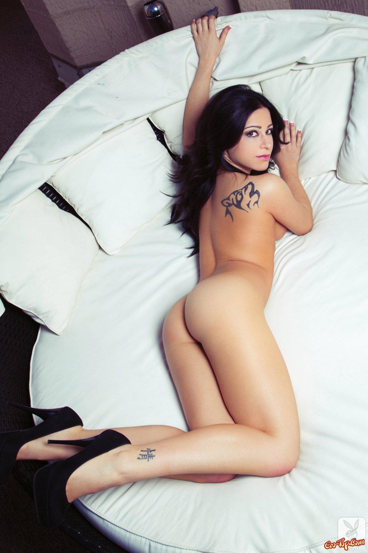 Adriana Lynn - русая порноактрисса плейбоя