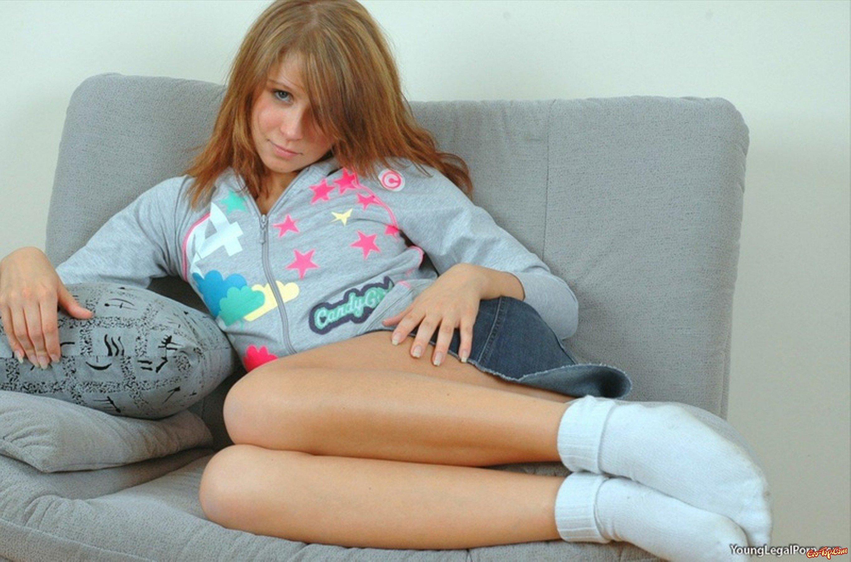 голые девушки в черных носках