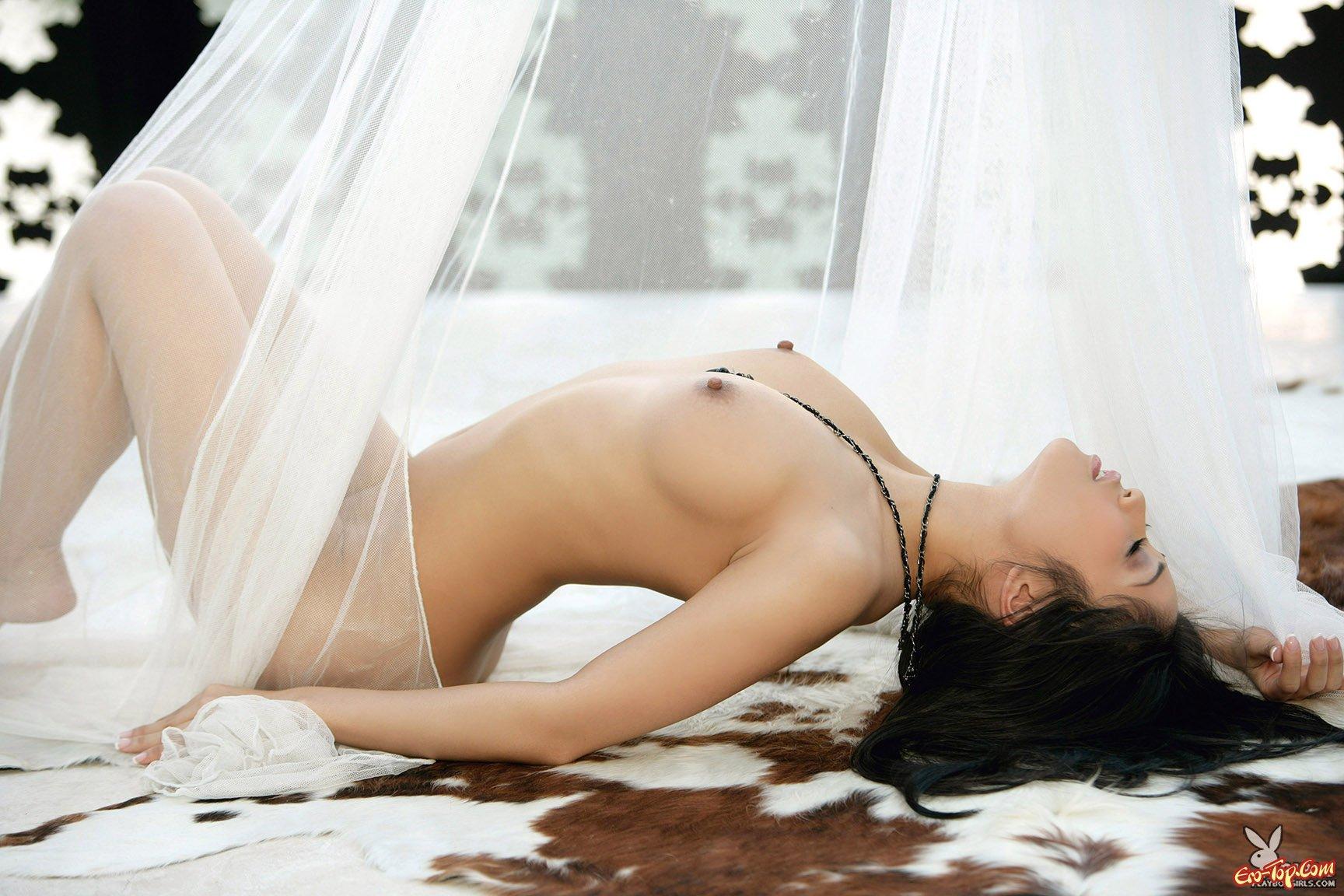 Азиатка Andrea Del Puerto