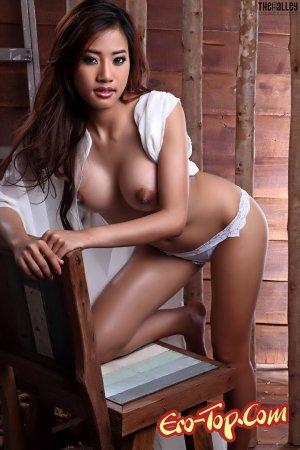 фотографии азиаток с большой грудью