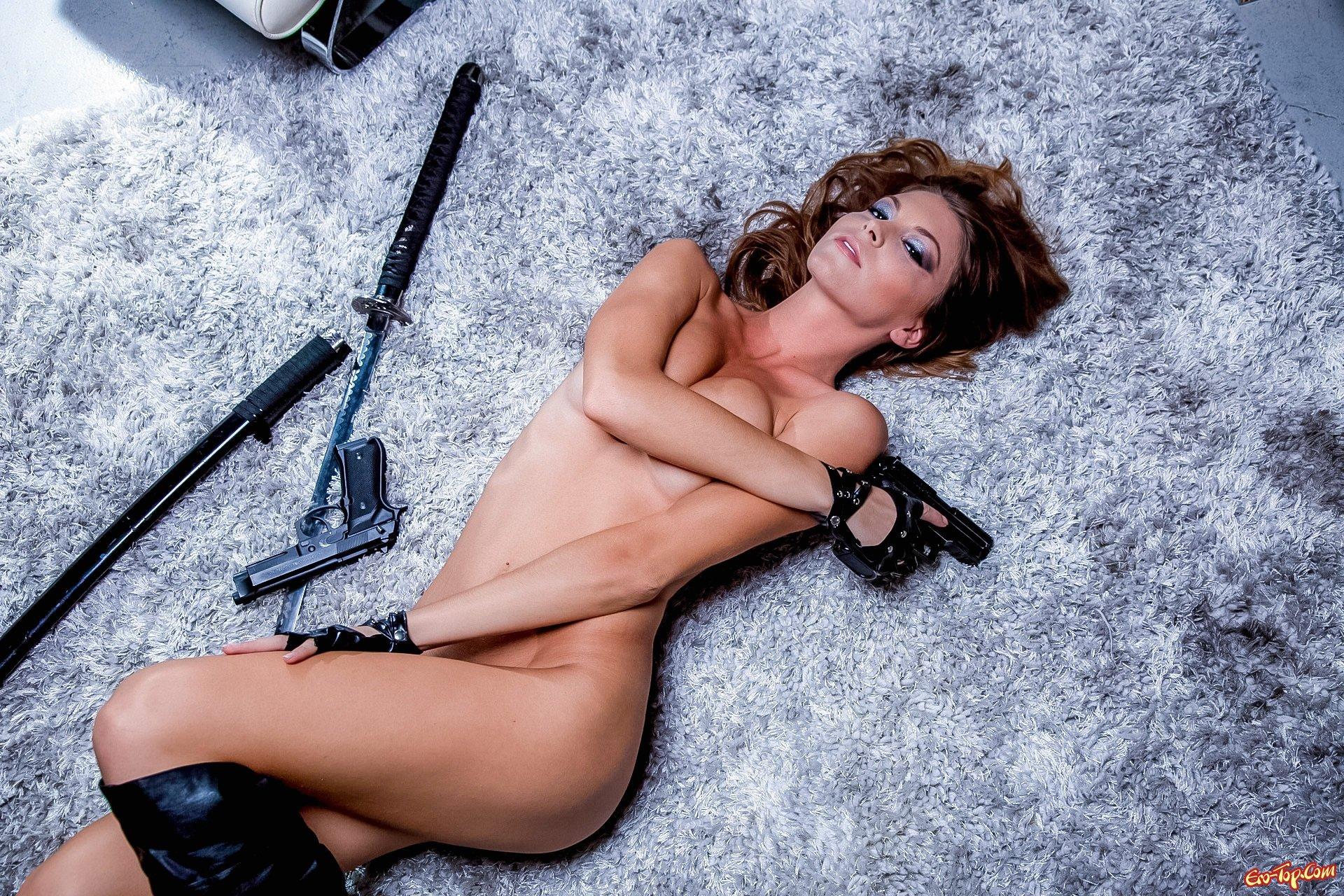 Плохая мадам Amber Sym секс фото