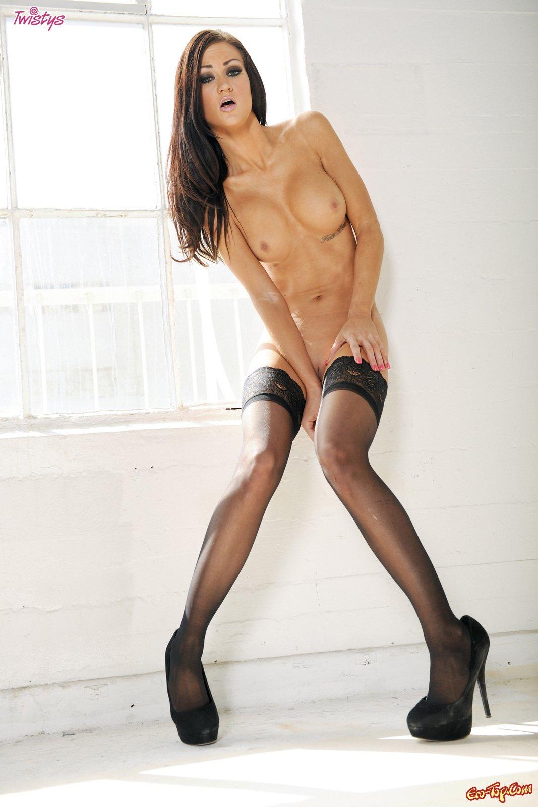 Kendall Karson в носках