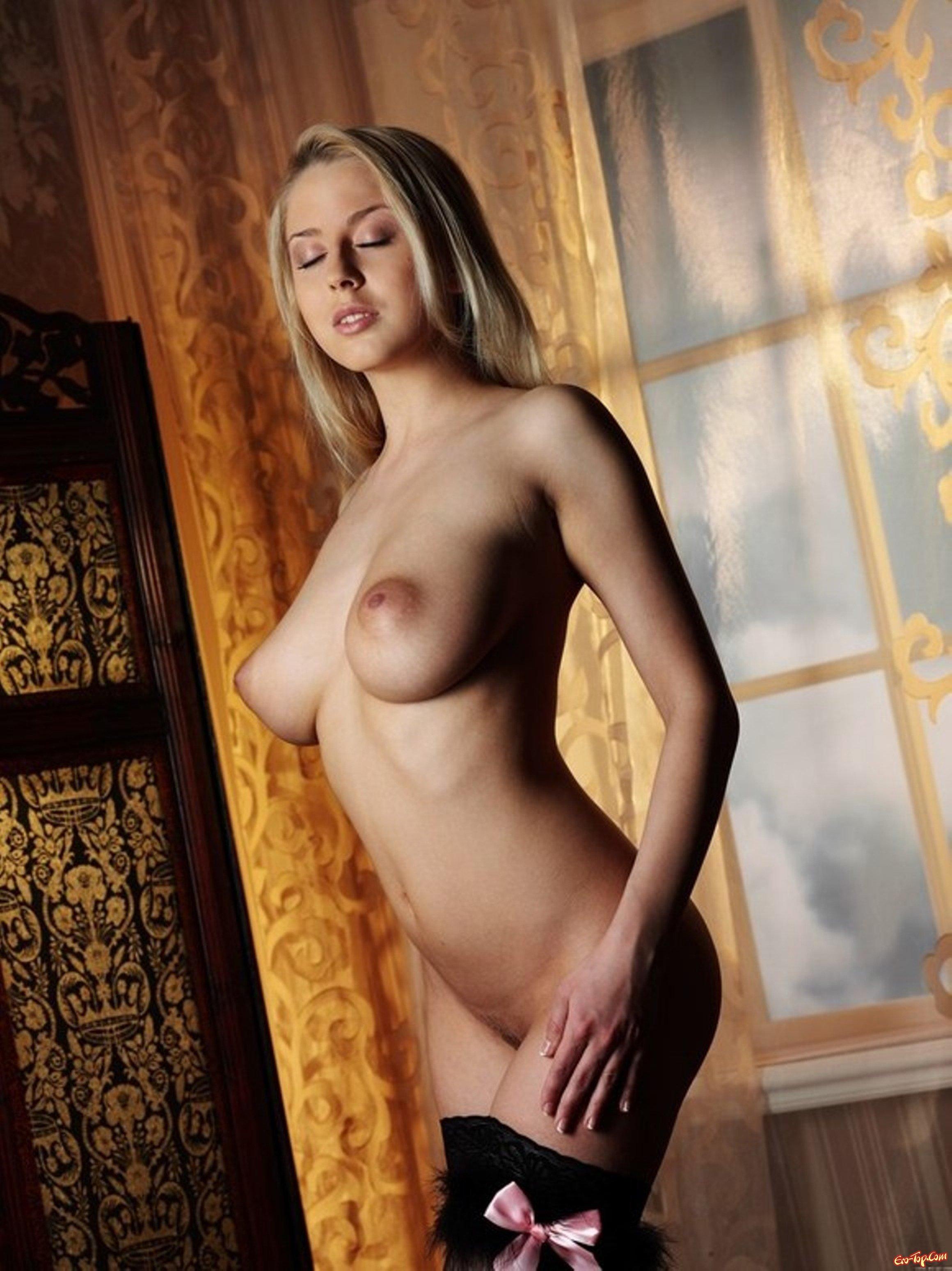 Красавица с большой грудью секс фото