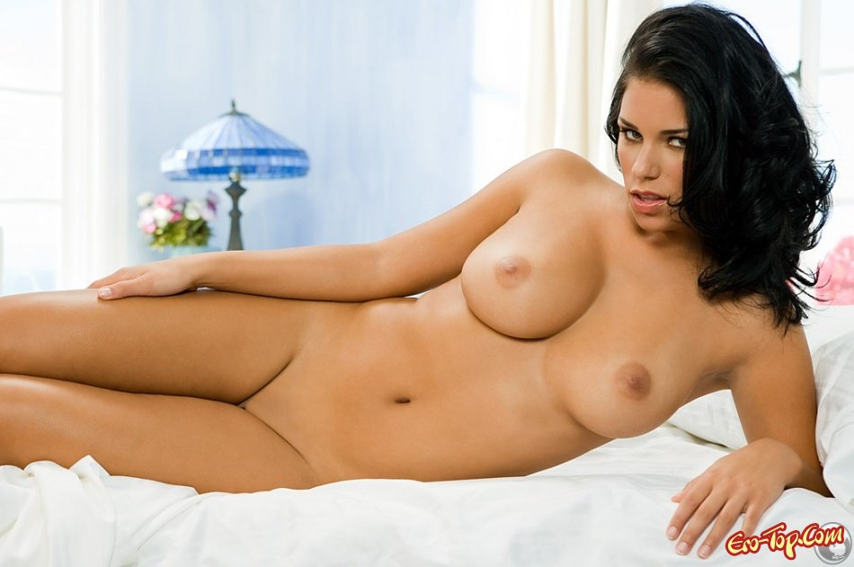 Пышногрудая Janine Habeck секс фото