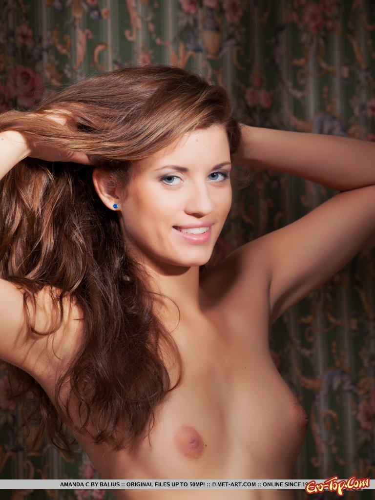 Изумительная голая девчонка