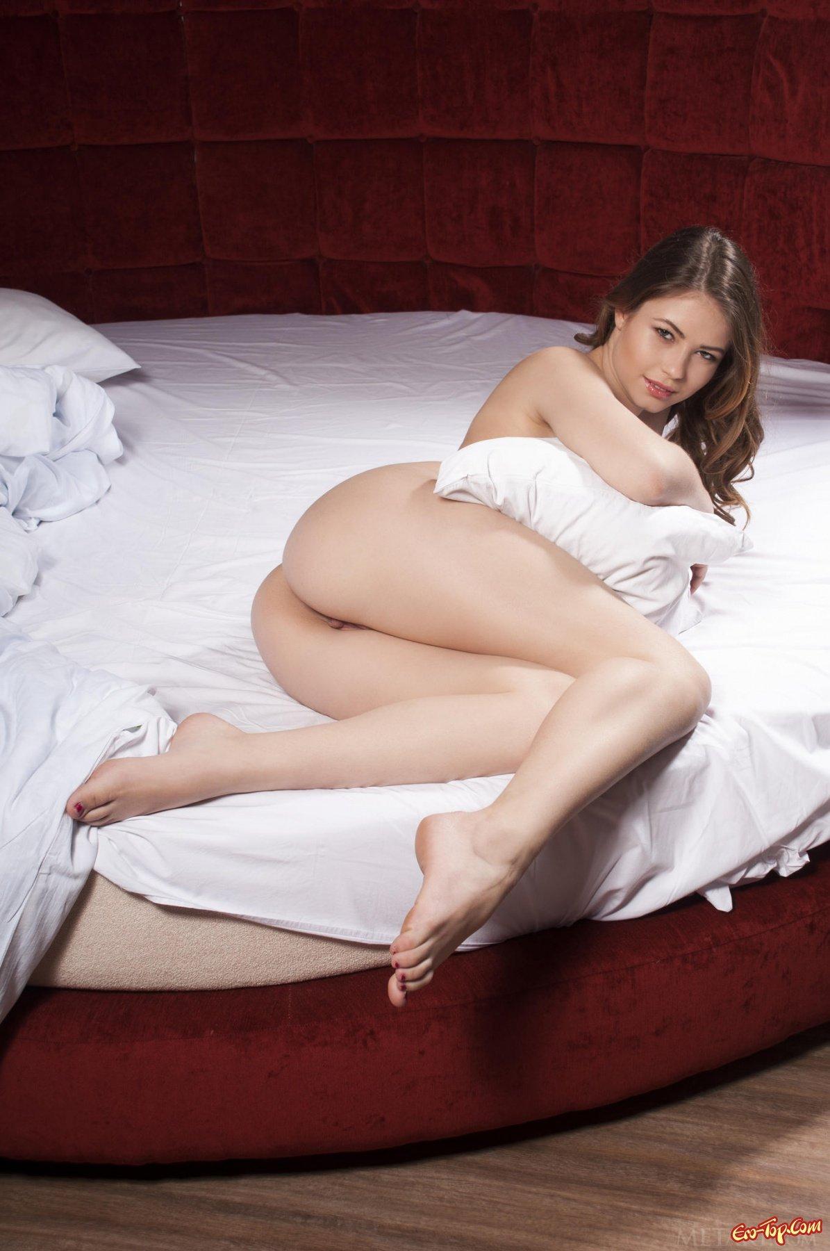 шикарная телка в постели