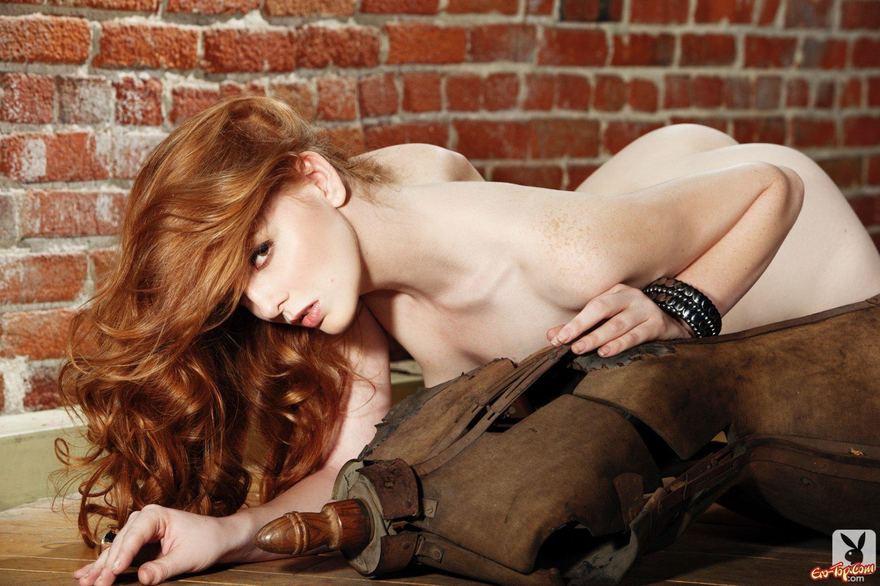 Рыжая голая девчонка 10 фотография