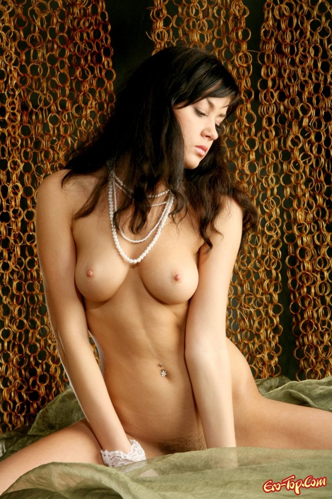 Большегрудая красотка секс фото