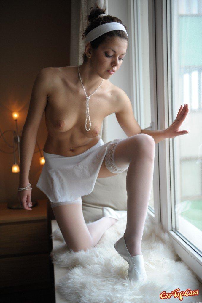 Обнаженная балерина смотреть эротику