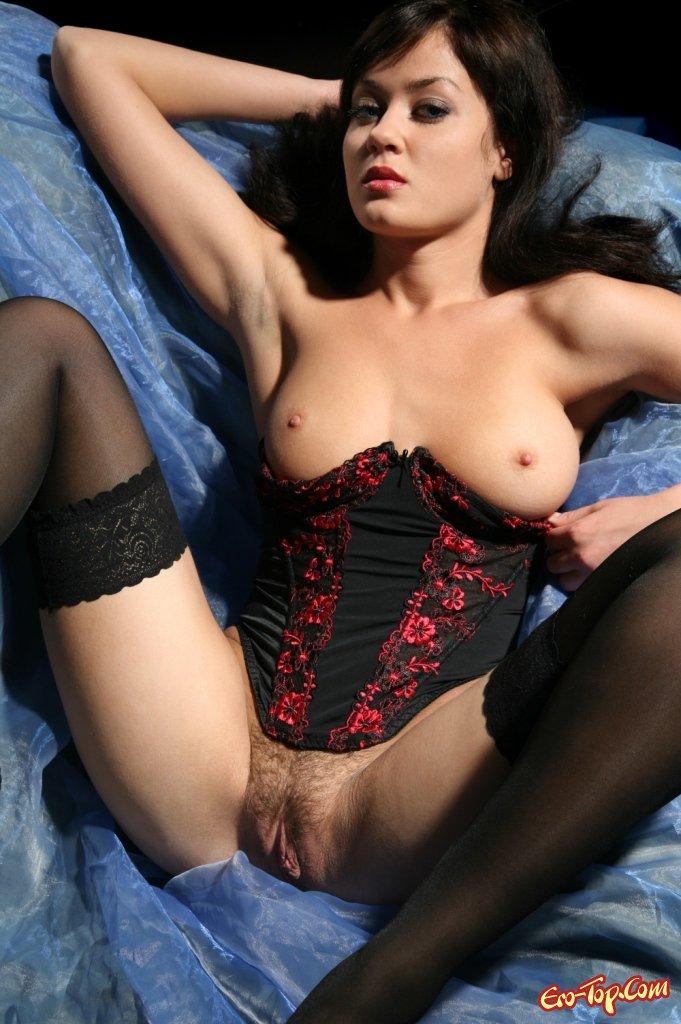 Голая в корсете секс фото