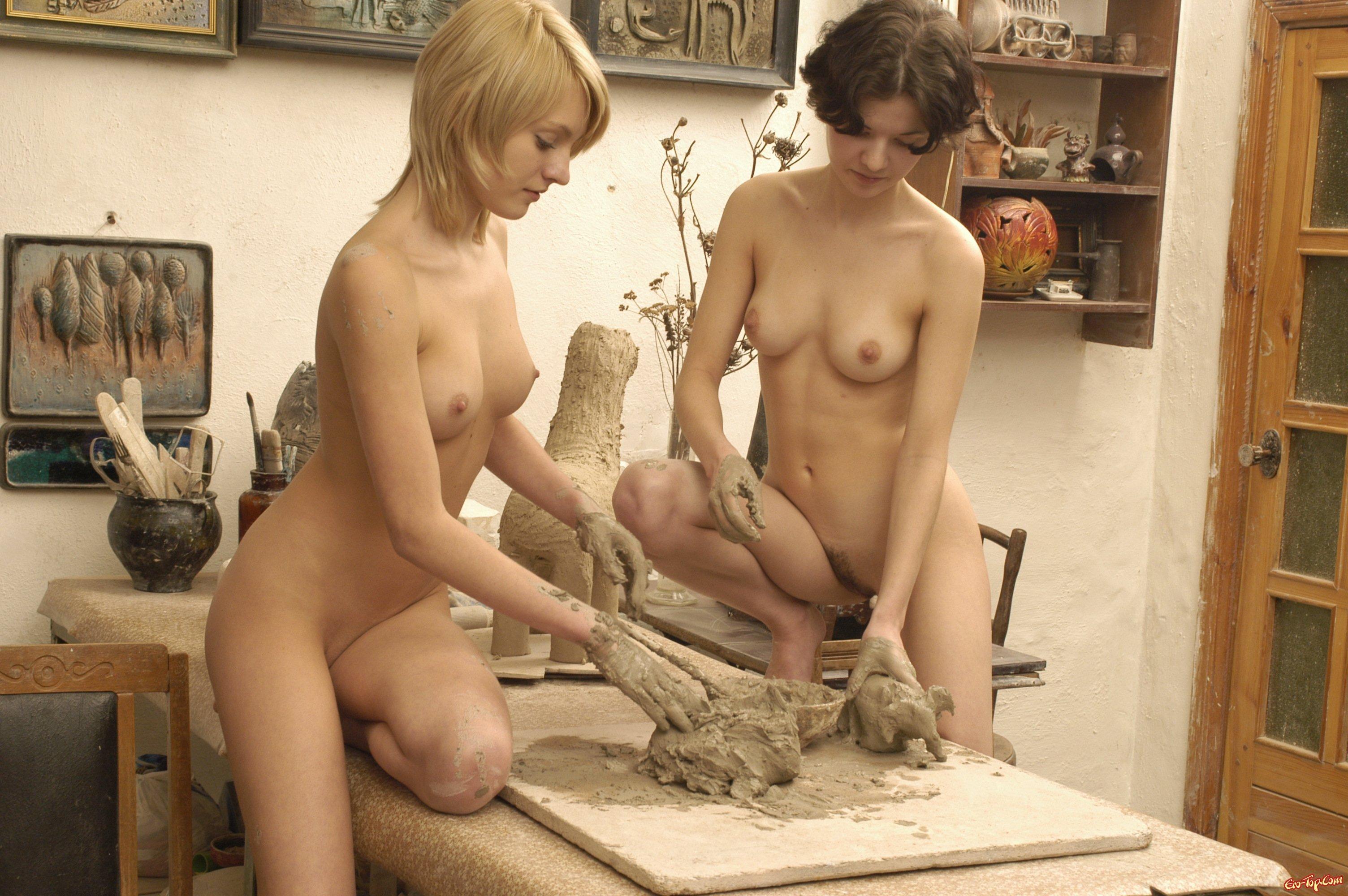 фото девушек голых на работе