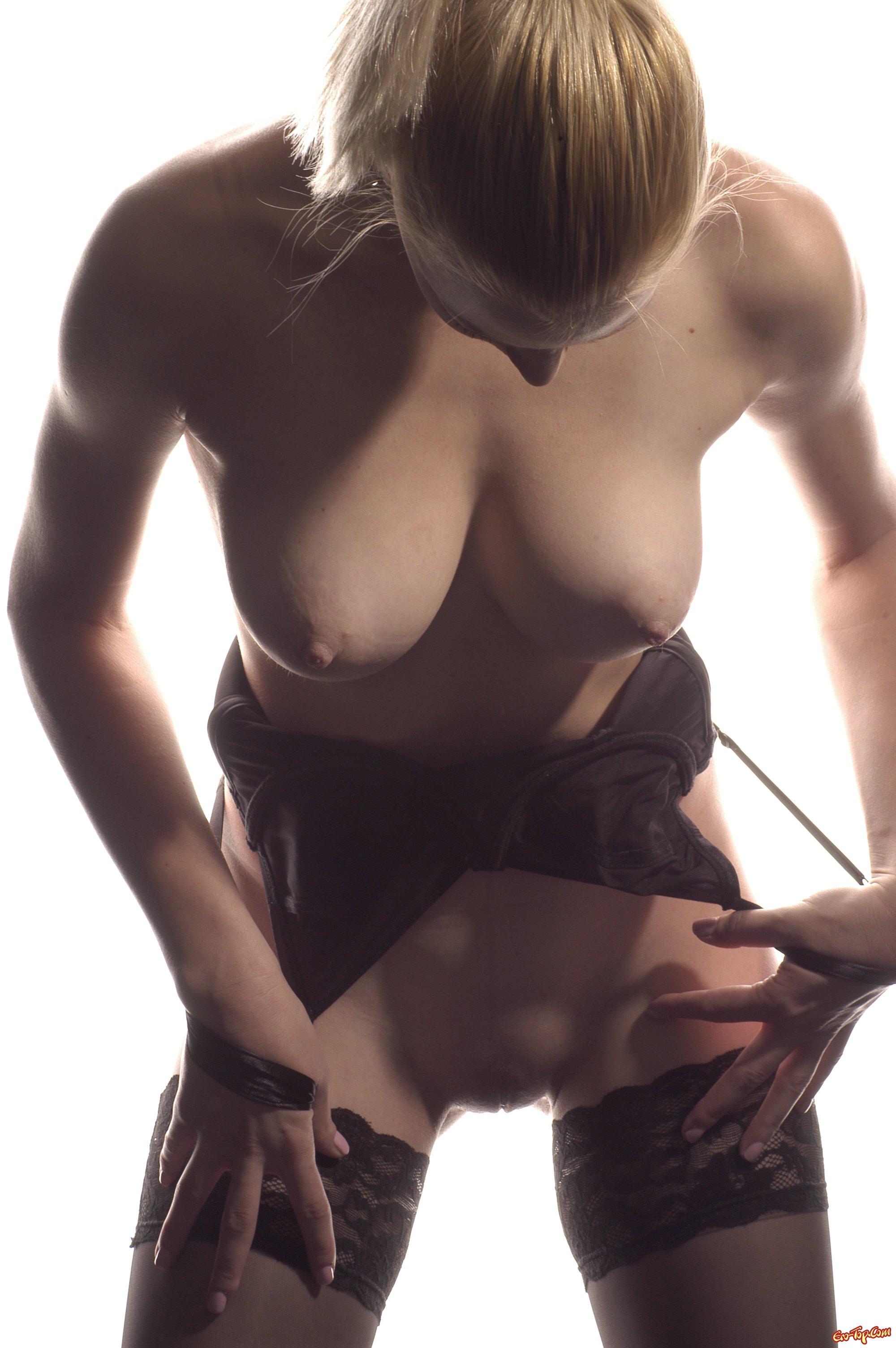 Голые сиськи и сисечки - красивые девушки с голыми ...