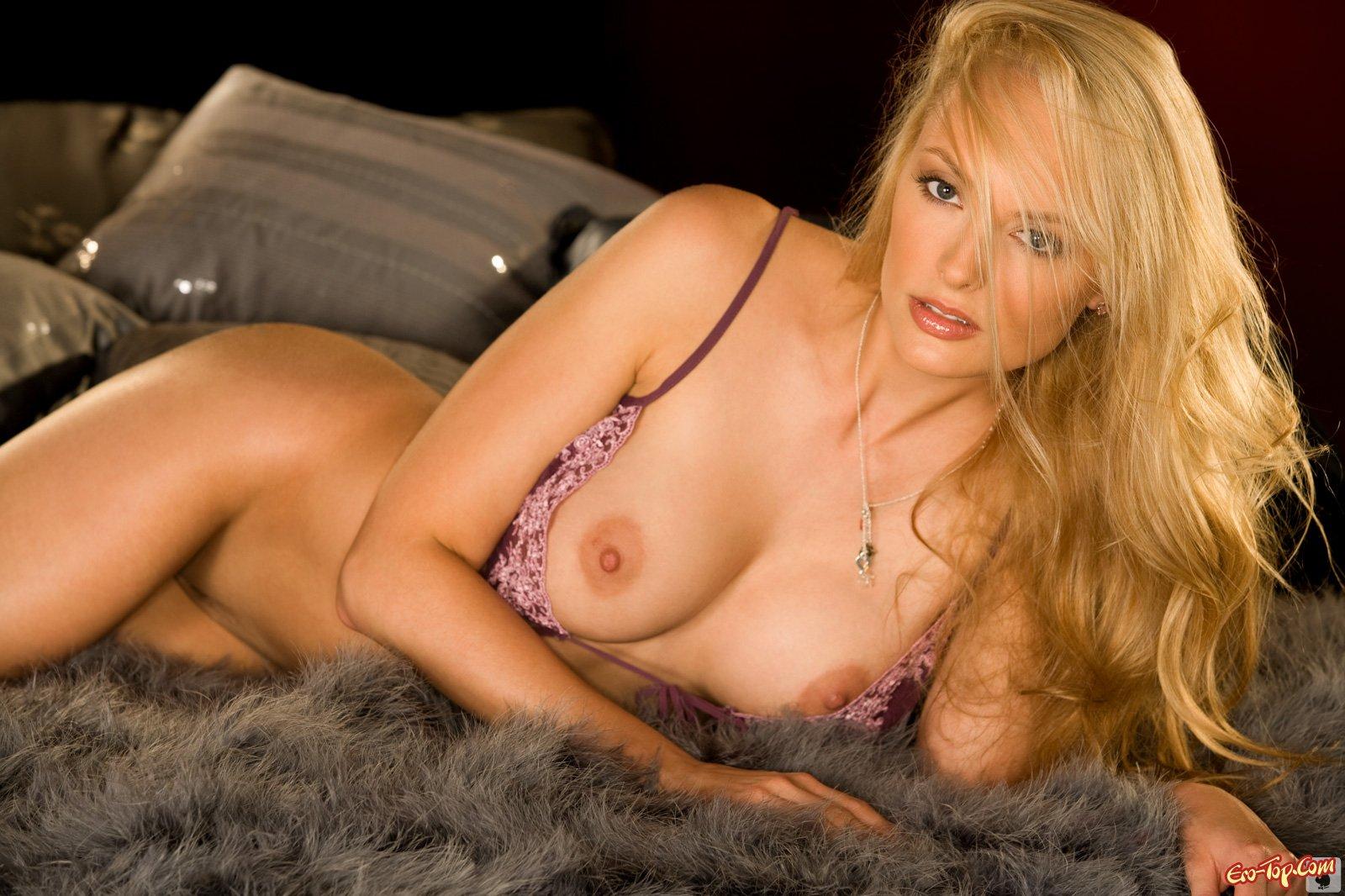 Рейтинг порнозвёзд (Топ-25 актрис + Фото)