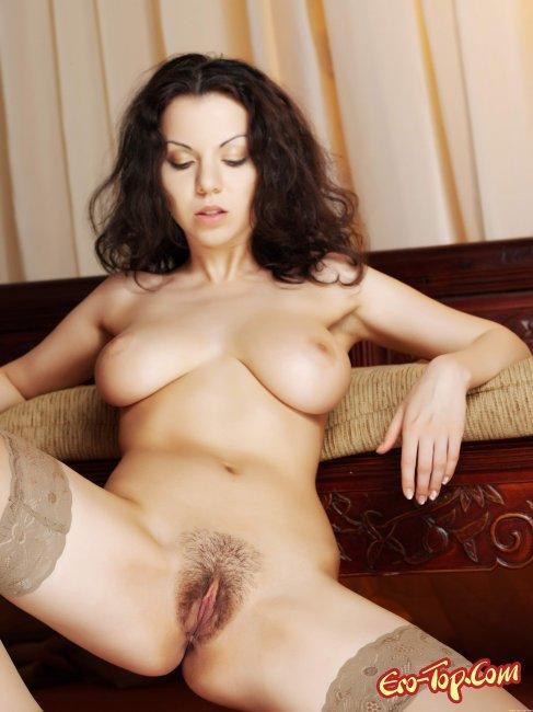 Соблазнила в халатике порно 5 фотография