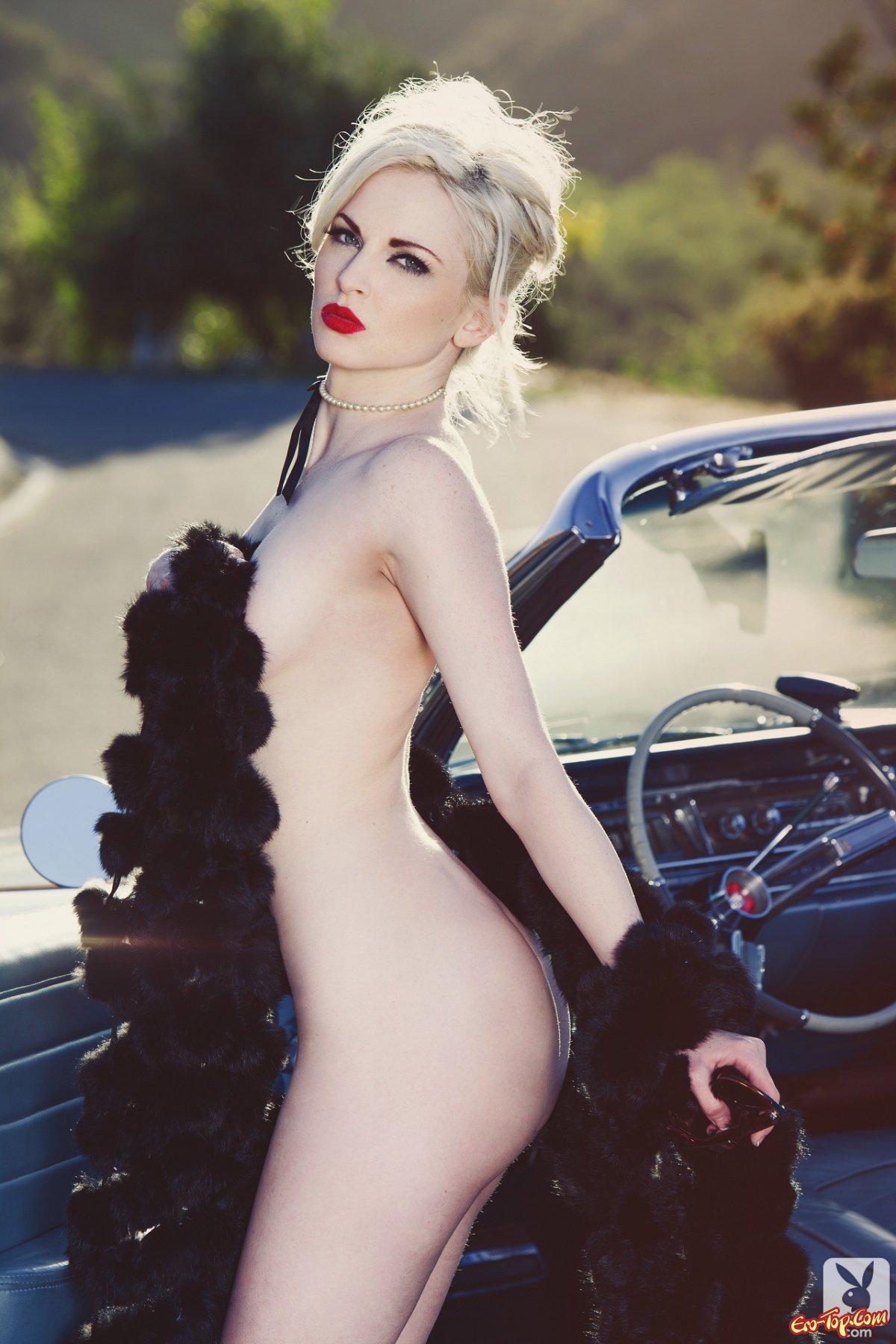 Ретро блондинка