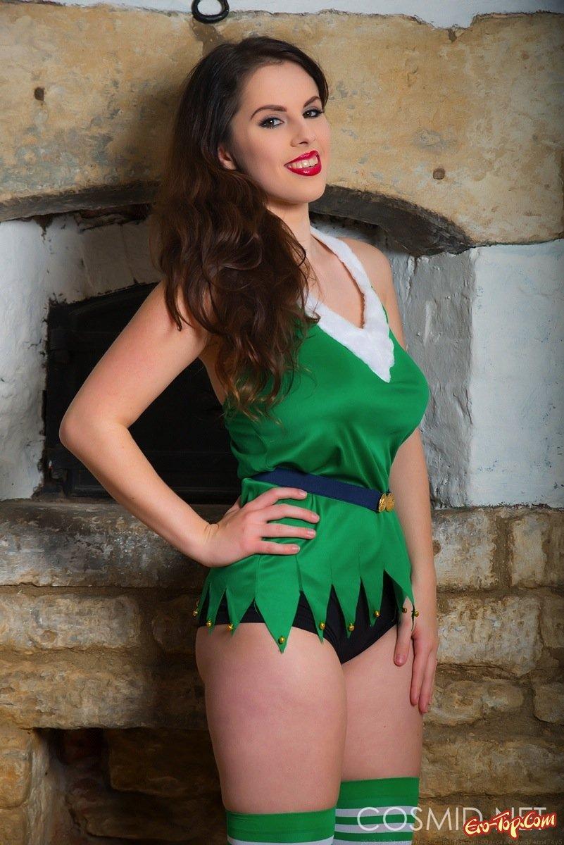 Девушка в зеленых чулках