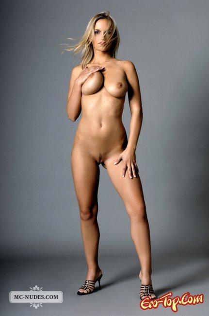 Фото голых девушек во весь рост