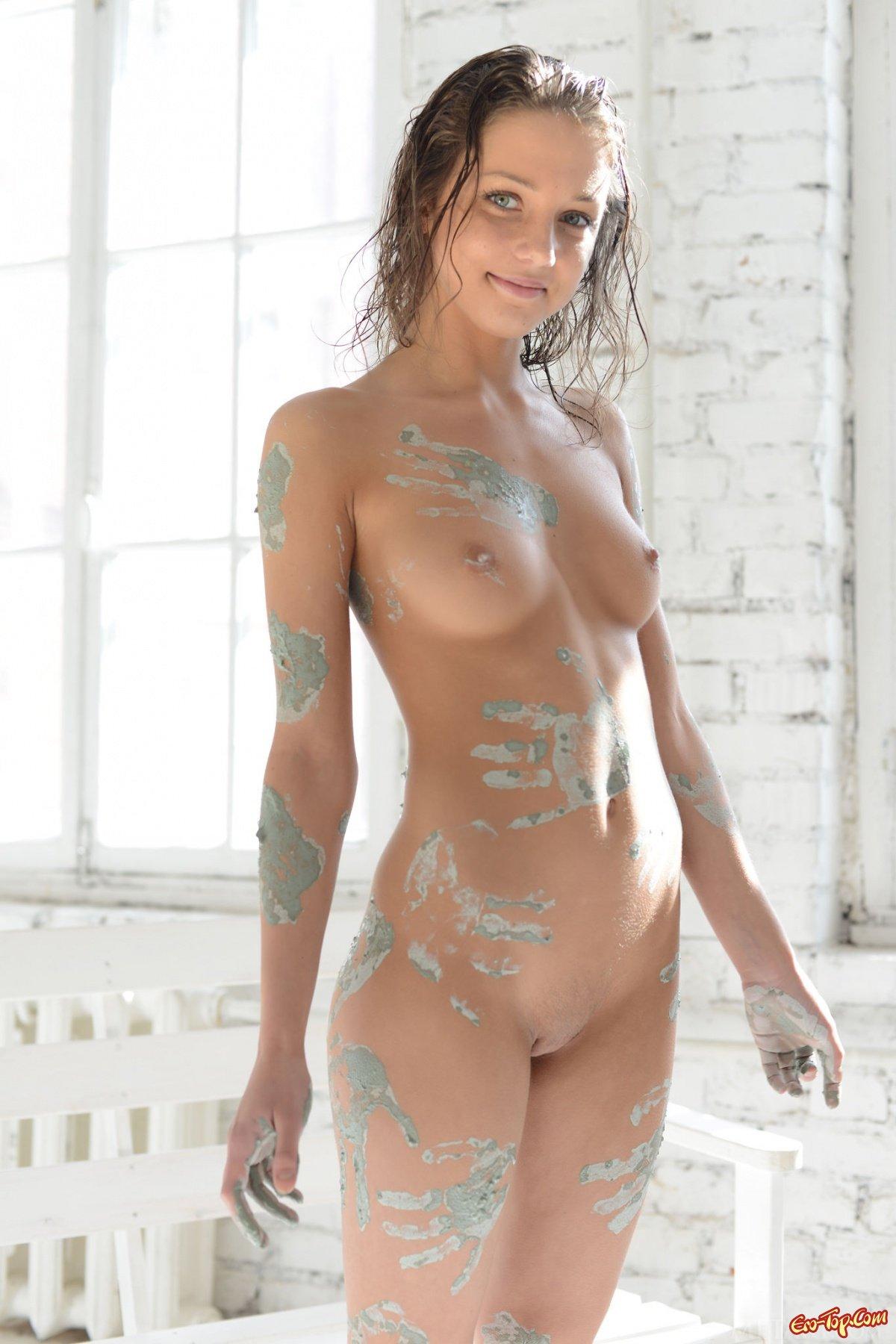 Картинки голые женщины в красках фото 704-360