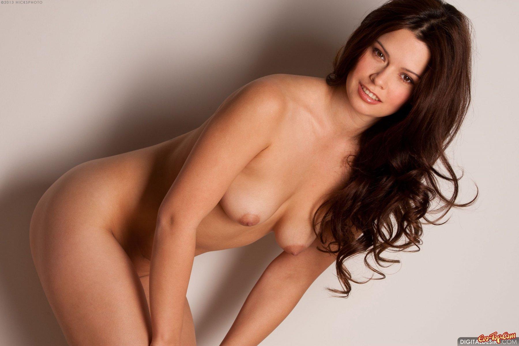 Фото классной голой телки шатенки секс фото